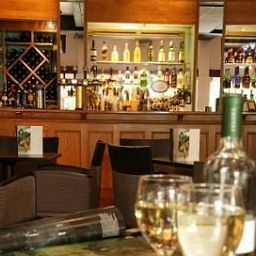 Bar Ramada Guildford Fotos