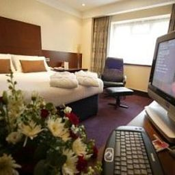 Room Ramada Guildford Fotos