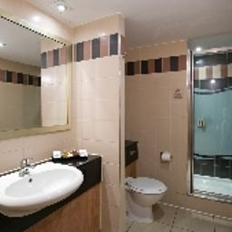 Bathroom Ramada Hatfield Fotos