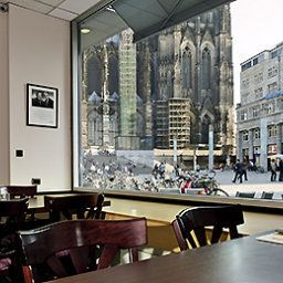 Breakfast room within restaurant ibis Koeln Am Dom Fotos