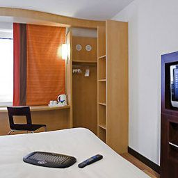 ibis London Luton Airport Лутон