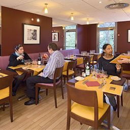 Breakfast room within restaurant ibis Paris Nanterre Fotos