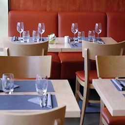 Breakfast room within restaurant ibis Strasbourg Aeroport Le Zenith Fotos