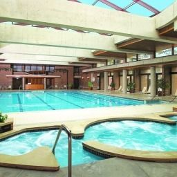 Piscina The Hyatt Lodge at McDonalds Campus Fotos