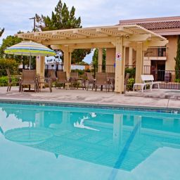Pool BEST WESTERN PLUS Village Inn Fotos
