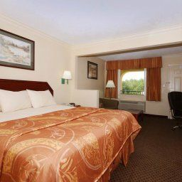 Chambre BEST WESTERN Inn & Suites Fotos