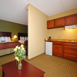 Suite BEST WESTERN Airport Inn & Suites Cleveland Fotos