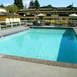 Piscina BEST WESTERN Capilano Inn & Suites Fotos