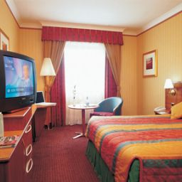Room Holiday Inn WOKING Fotos