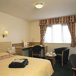 Camera Days Inn Bradford South Welcome Break Service Area Fotos