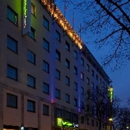 Vista exterior Holiday Inn Express BERLIN CITY CENTRE Fotos