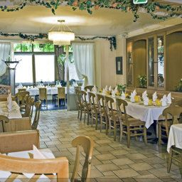 Salle du petit-djeuner situe dans le restaurant Payerbacherhof Fotos