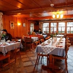 Breakfast room within restaurant Hirschen Fotos