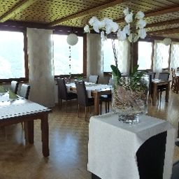 Breakfast room within restaurant Mundaun's Fotos