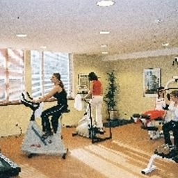 Fitness room Evergreen Laurel Fotos