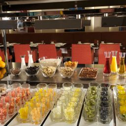 Buffet NH Nürnberg City Fotos