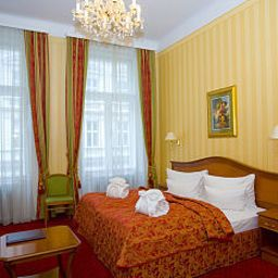 Opera Suites Pension Fotos