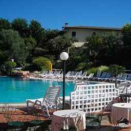 Pool Villa Pigalle Fotos