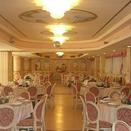 Breakfast room within restaurant Villa Pigalle Fotos