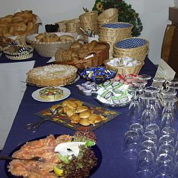Buffet Alter Wirt Fotos