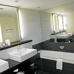 Bathroom Four Points by Sheraton Sihlcity - Zurich Fotos
