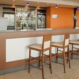 Bar Holiday Inn Express LIVERPOOL -JOHN LENNON AIRPORT Fotos