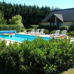 Pool Les Dineux Village Fotos