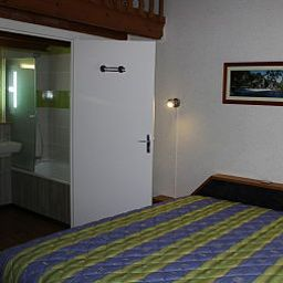 Room Les Dineux Village Fotos