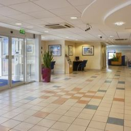 Hall JCT.5 Holiday Inn Express DROITWICH M5 Fotos