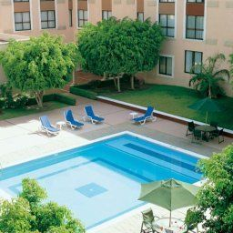 Pool Fiesta Inn Leon Fotos