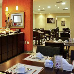 Breakfast room within restaurant Mercure Porto Alegre Manhattan Hotel Fotos