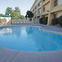 Piscine La Quinta Inn & Suites Albuquerque Journal Ctr NW Fotos