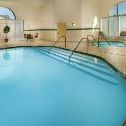 Pool Holiday Inn Express Hotel & Suites MANASSAS Fotos