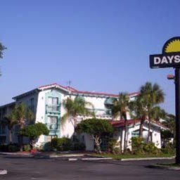 Vista exterior Days Inn Tampa/Port of Tampa/Ybor City Fotos