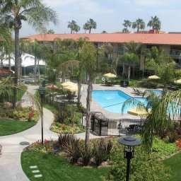 Pool DoubleTree by Hilton Ontario Airport Fotos