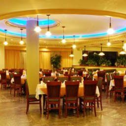 Restaurant Howard Johnson Plaza Hotel Royal Garden Reynosa Fotos