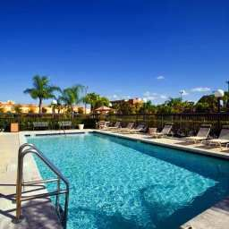 Pool Hampton Inn  Suites Orlando International Drive North FL Fotos