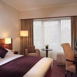 Zimmer DoubleTree by Hilton London Victoria Fotos