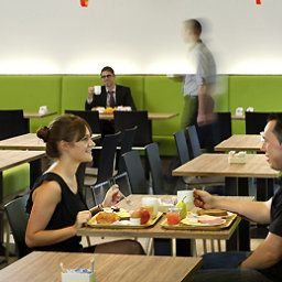 Breakfast room within restaurant ibis Brussels Centre Gare Midi Fotos