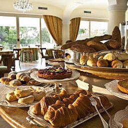 Buffet Grand Hotel Excelsior Fotos