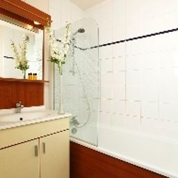 Bathroom Appart City Poissy Residence Hoteliere Fotos