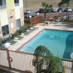 Piscina Staybridge Suites LAREDO Fotos