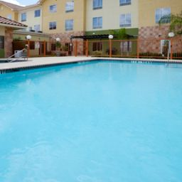 Pool Staybridge Suites LAREDO Fotos