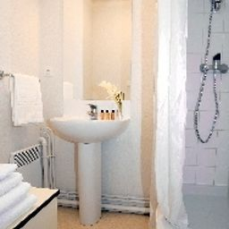 Bathroom Appart City Rennes Saint Gregoire Residence Hoteliere Fotos