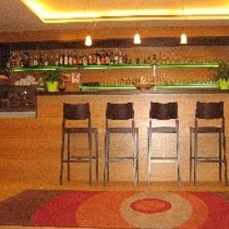 Bar Schlosshof Resort Hotel & Camping Fotos