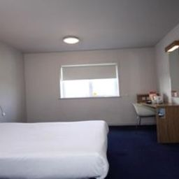 Zimmer TRAVELODGE CHESHUNT Fotos