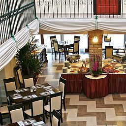 Breakfast room within restaurant Polgar Panzio Fotos