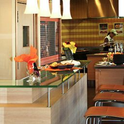 Bar ibis Como Fotos