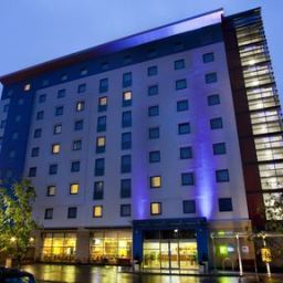 Vista esterna Holiday Inn Express SLOUGH Fotos