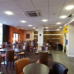 Bar Holiday Inn Express SLOUGH Fotos